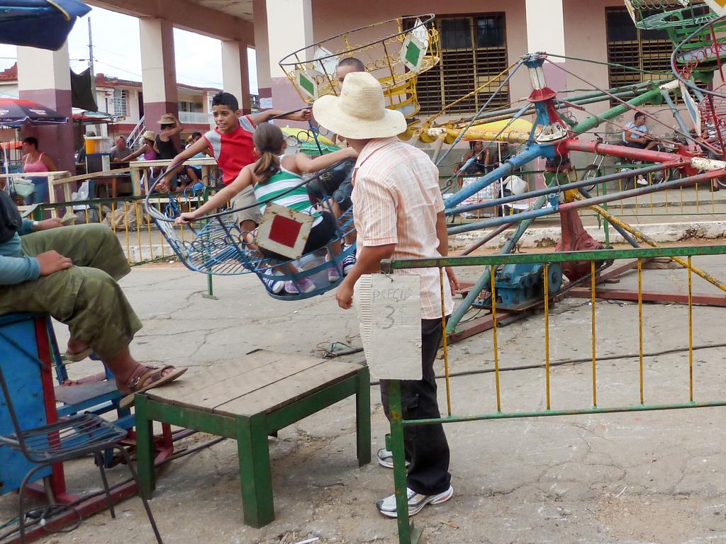 Fahrgeschäfte auf Kuba - Nervenkitzel pur