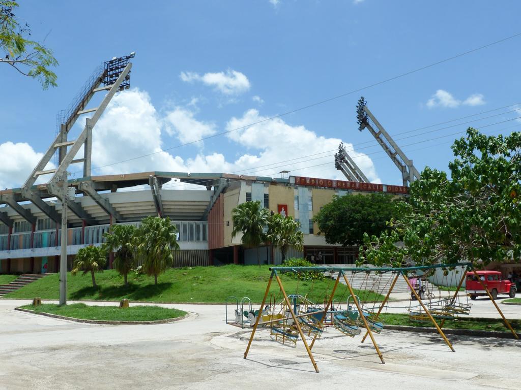 Las Tunas Stadion und Spielplatz